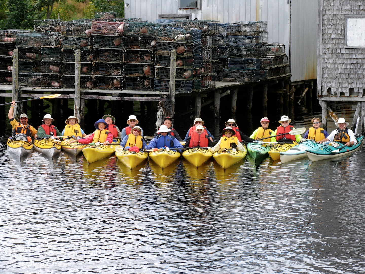 Kayaking_group